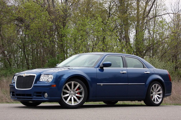 Chrysler 300C 6.1 2010 photo - 8