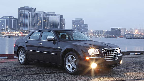 Chrysler 300C 6.1 2010 photo - 9