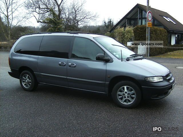 Chrysler Grand Voyager 2.4 1997 photo - 4