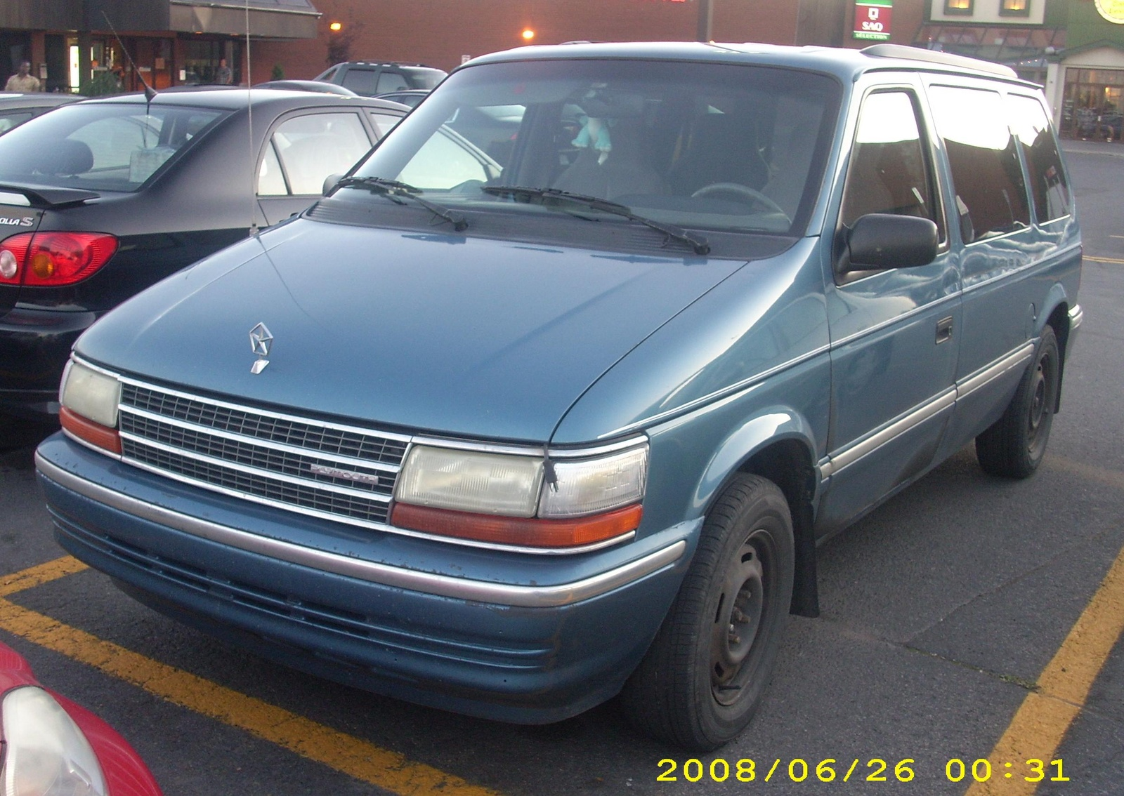 Chrysler Grand Voyager 3.3 1998 photo - 12