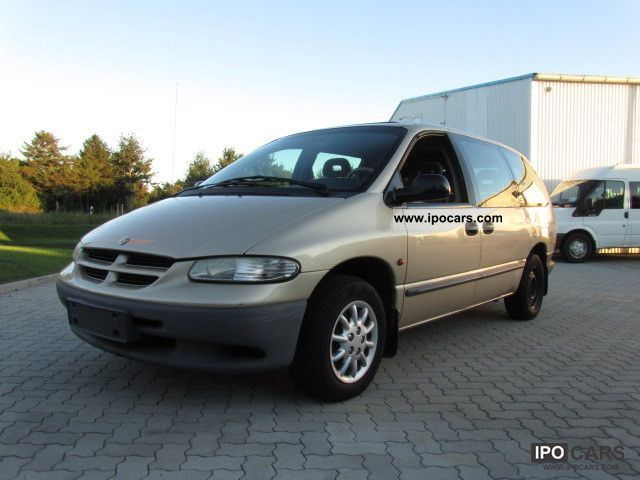Chrysler Grand Voyager 3.3 2001 photo - 12