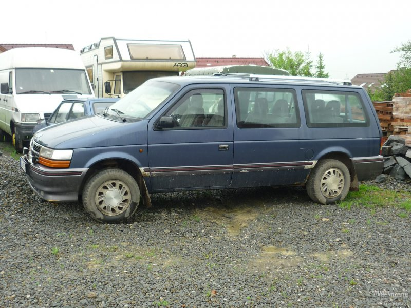 Chrysler Grand Voyager 3.3 2001 photo - 2