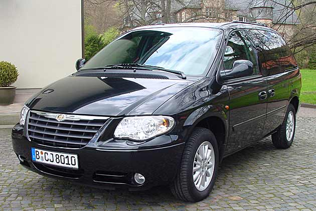 Chrysler Grand Voyager 3.3 2001 photo - 4