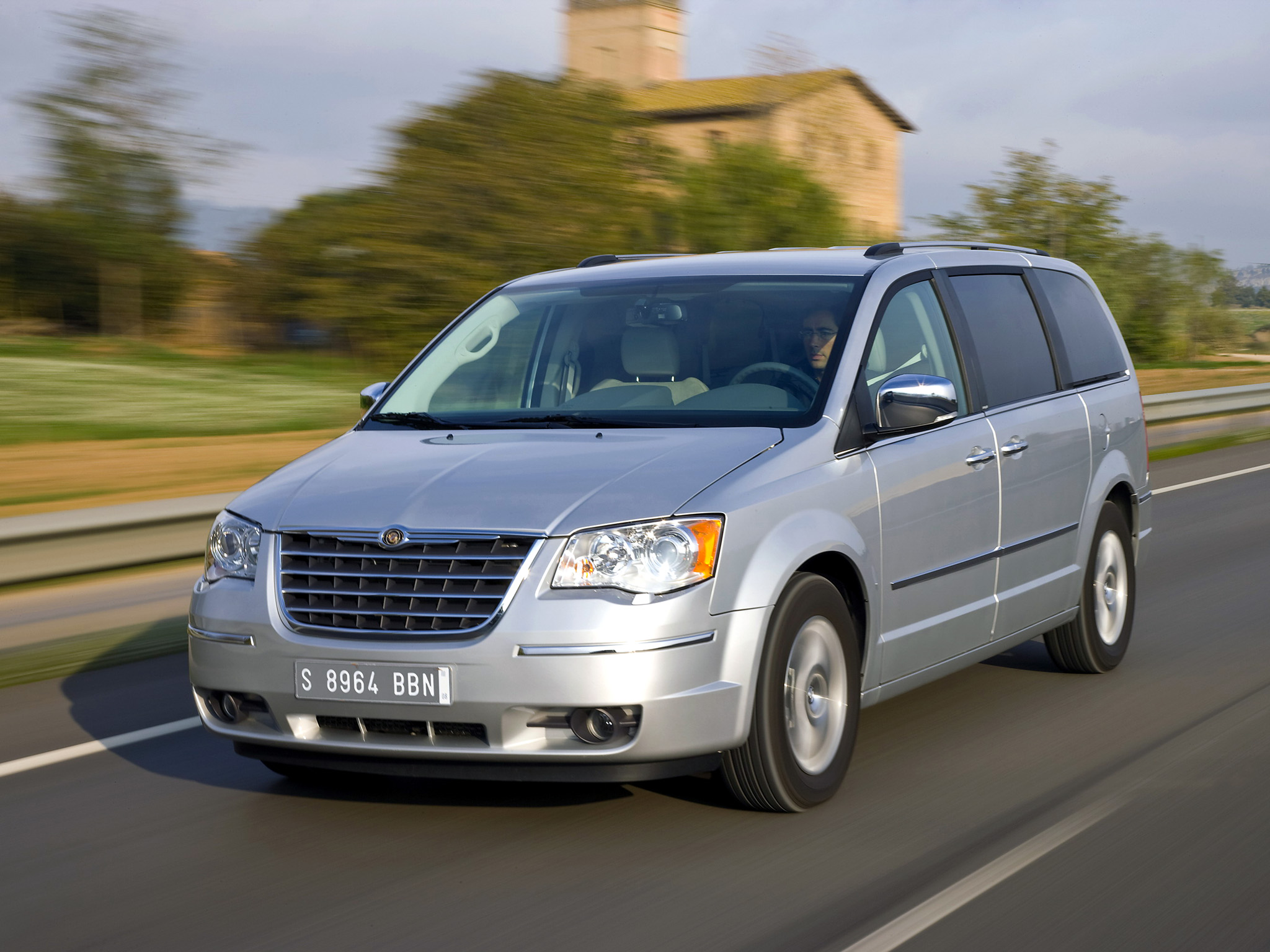 Chrysler Grand Voyager 3.6 2011 photo - 2