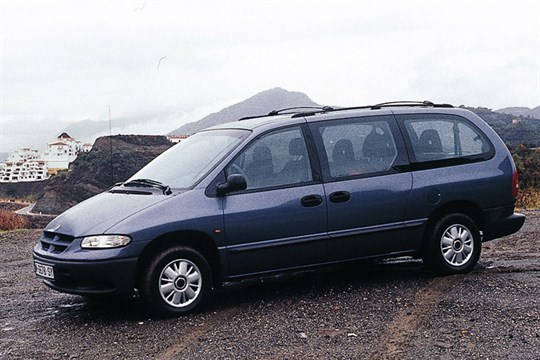 Chrysler Grand Voyager 3.8 1995 photo - 8