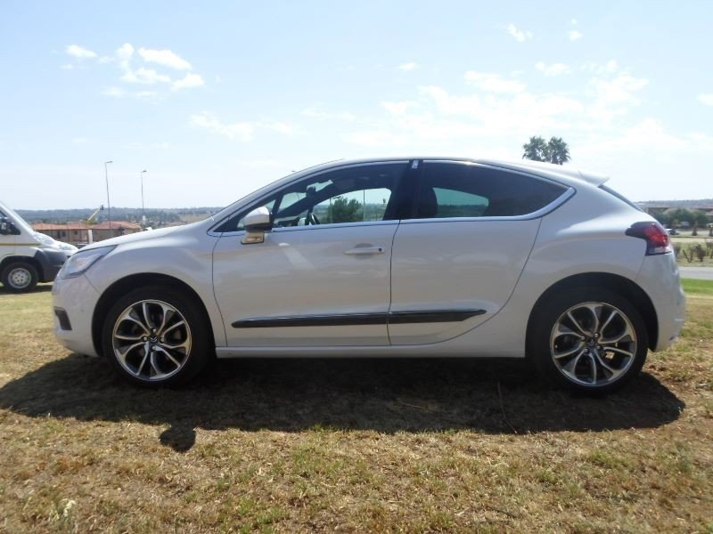 Citroen DS4 1.6 2013 photo - 1