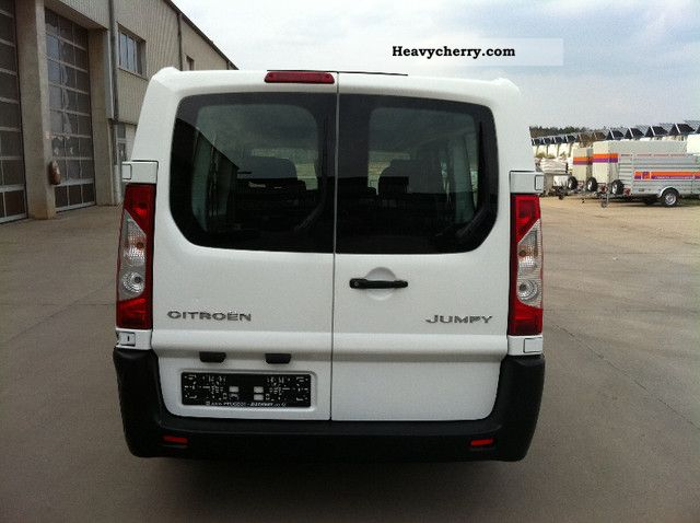 Citroen Jumpy 2.0 2010 photo - 8