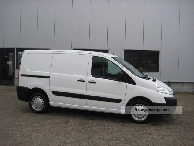 Citroen Jumpy 2.0 2012 photo - 1