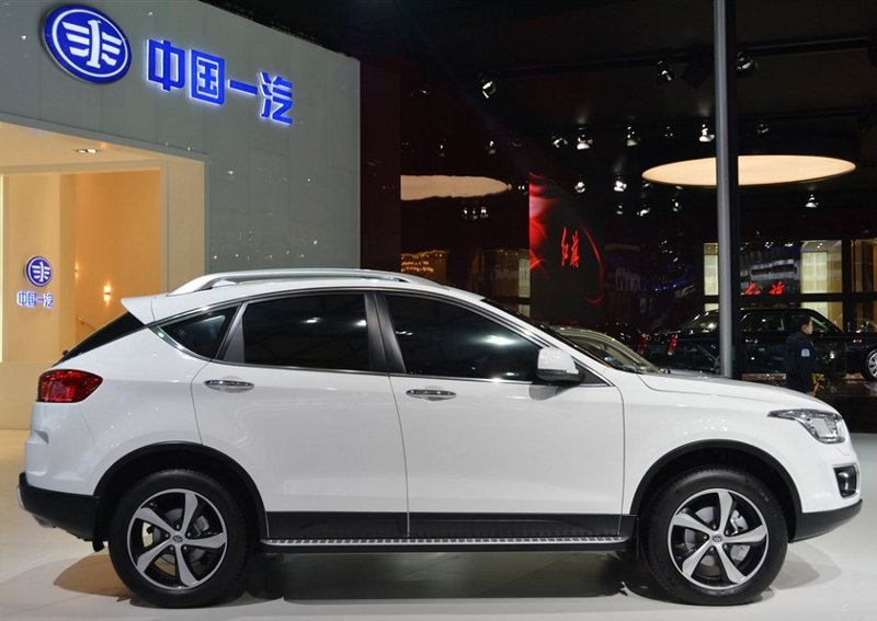 FAW Besturn X80 2.3 2013 photo - 10