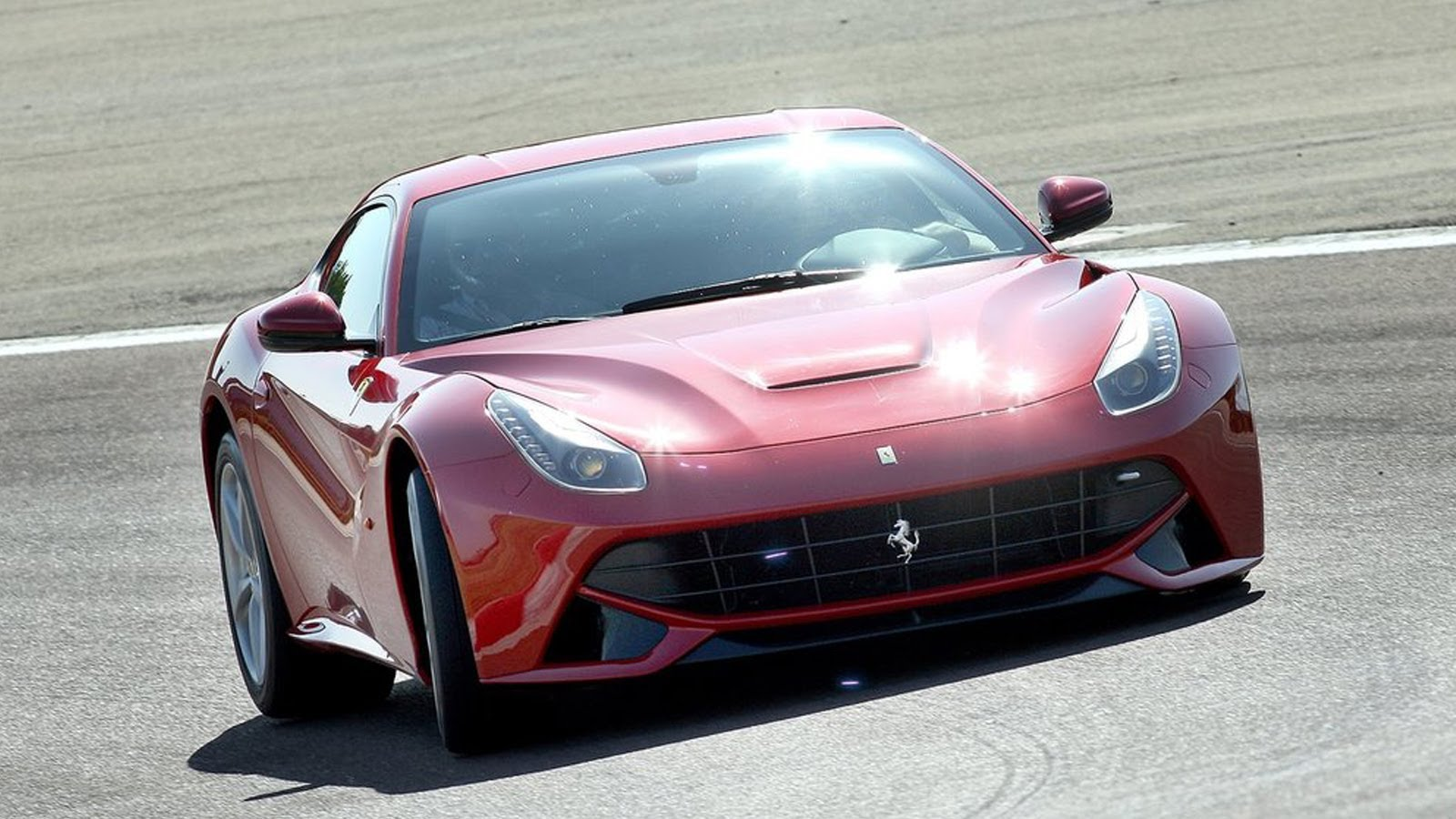 Ferrari F12berlinetta 6.3 2013 photo - 12