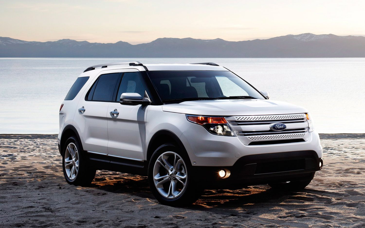 Ford Explorer 3.5 2012 photo - 6