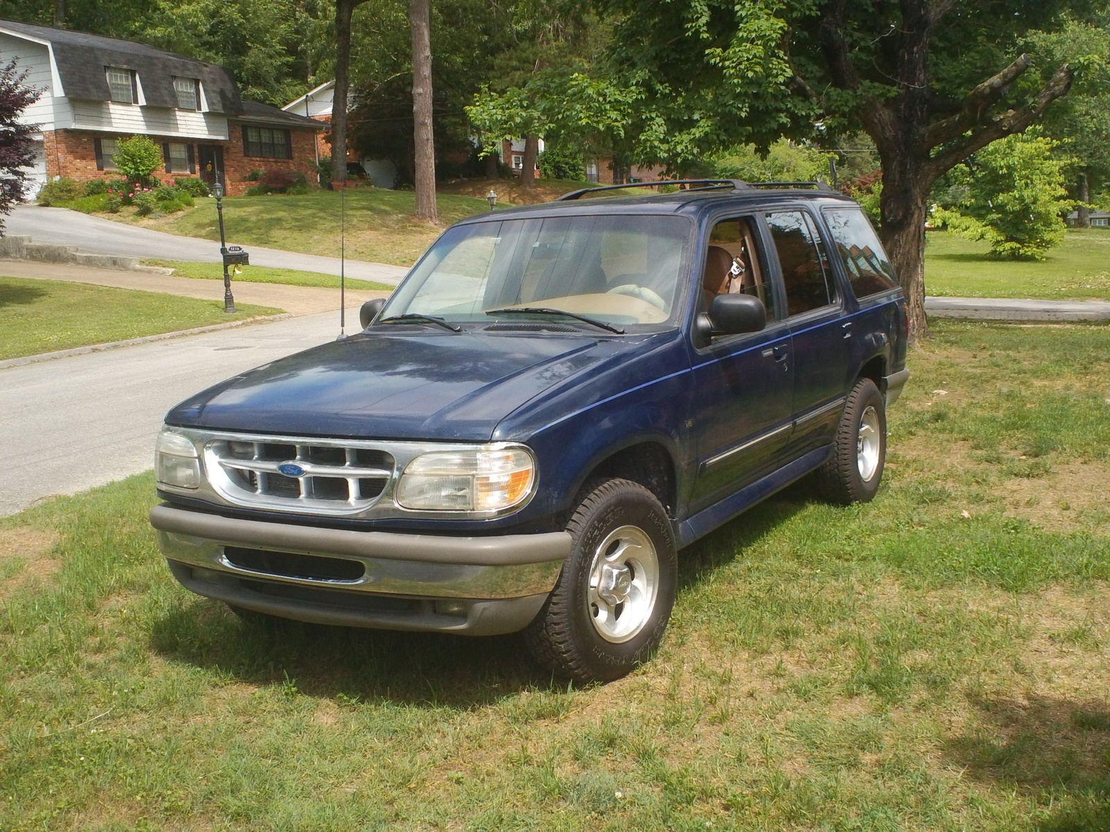 Ford Explorer 4.0 1996 photo - 6