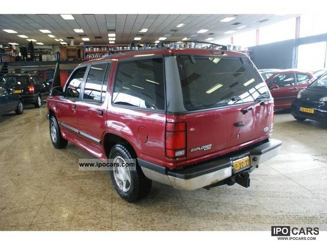 Ford Explorer 4.0 1996 photo - 8