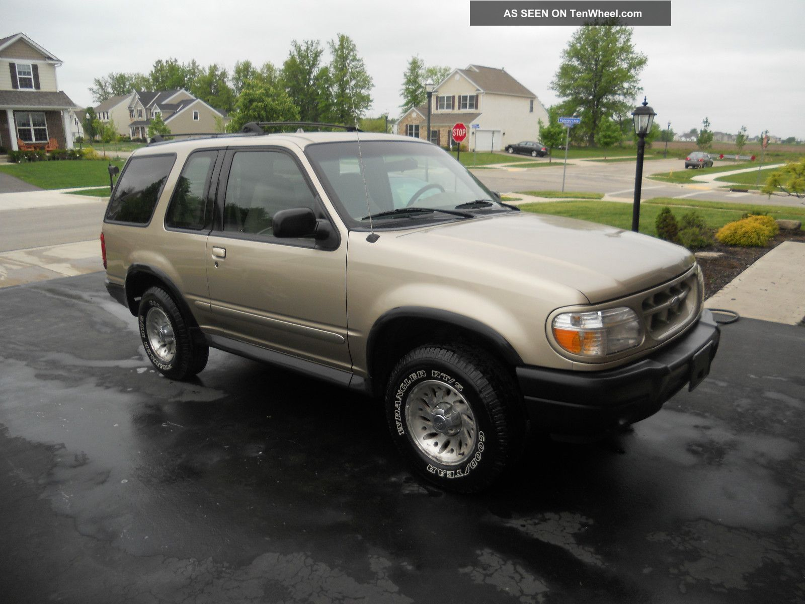 Ford Explorer 4.0 2000 photo - 11