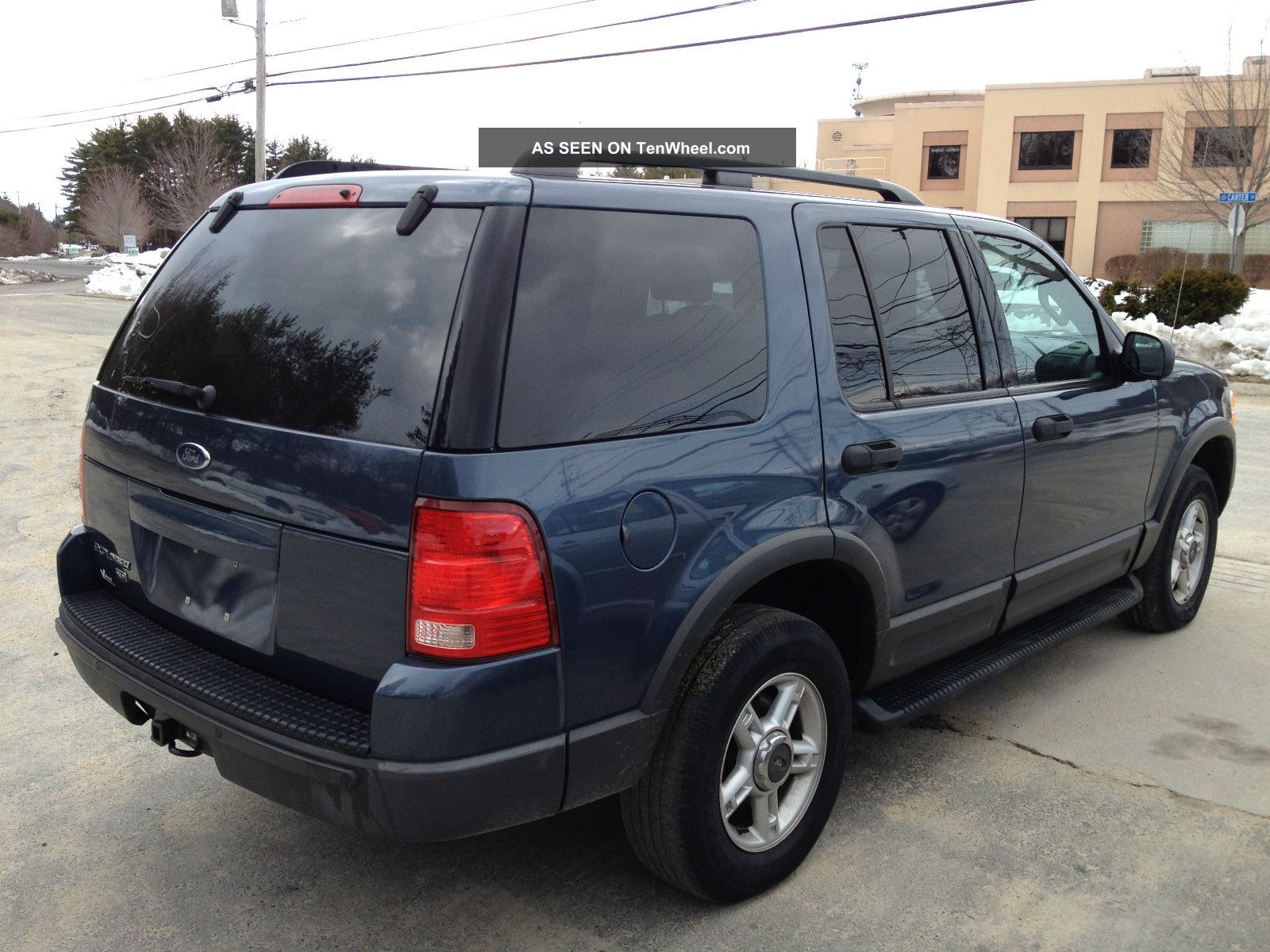 Ford Explorer 4.0 2003 photo - 1