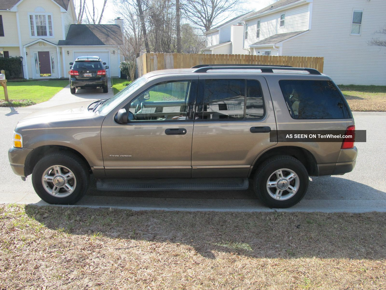 Ford Explorer 4.0 2004 photo - 8