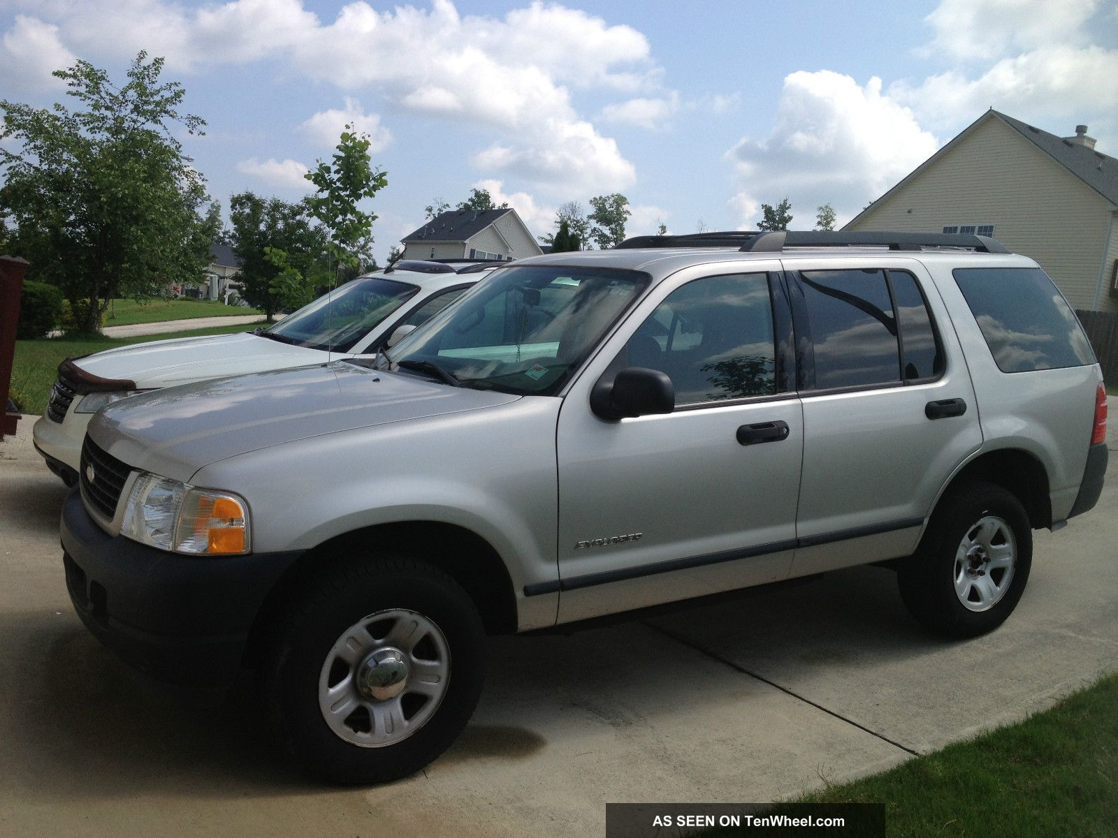 Ford Explorer 4.0 2005 photo - 8