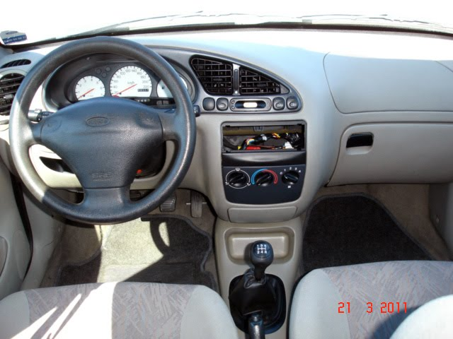 Ford Fiesta 1.0 1998 photo - 2