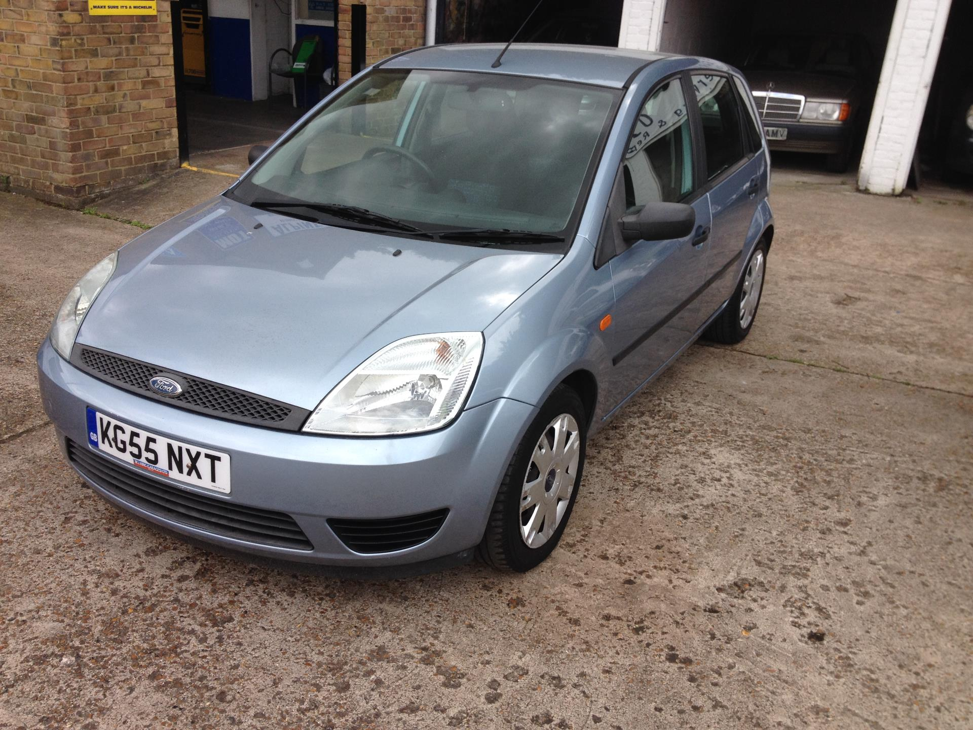 Ford Fiesta 1.0 2005 photo - 12