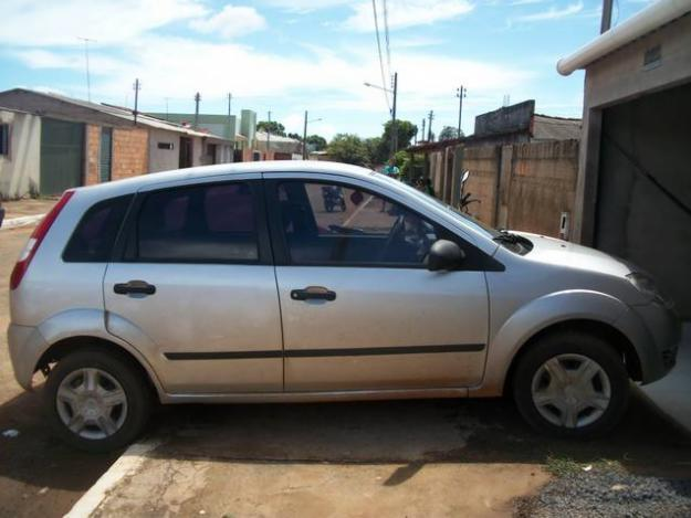 Ford Fiesta 1.0 2005 photo - 2