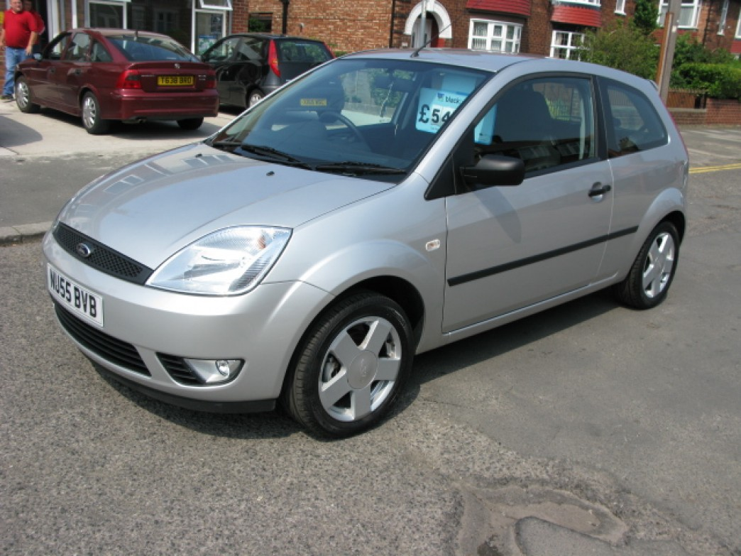 Ford Fiesta 1.0 2005 photo - 9