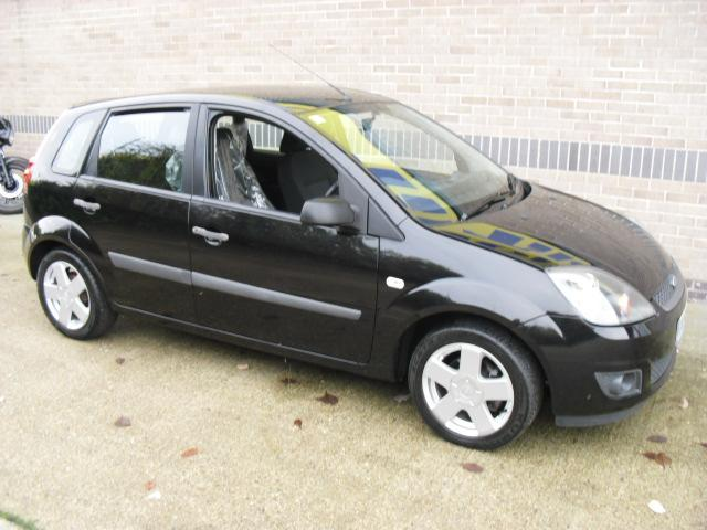Ford Fiesta 1.0 2006 photo - 8