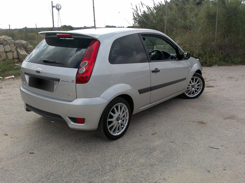 Ford Fiesta 1.0 2007 photo - 2