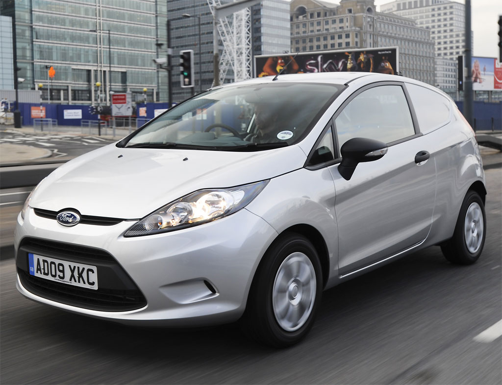 Ford Fiesta 1.0 2010 photo - 3