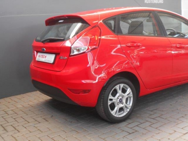 Ford Fiesta 1.0 2012 photo - 10