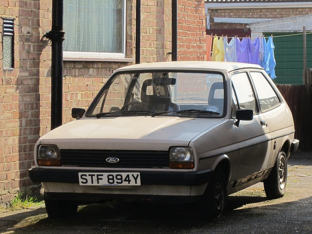 Ford Fiesta 1.1 1982 photo - 12