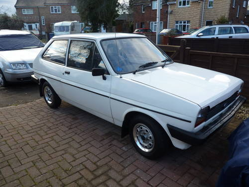 Ford Fiesta 1.1 1982 photo - 8