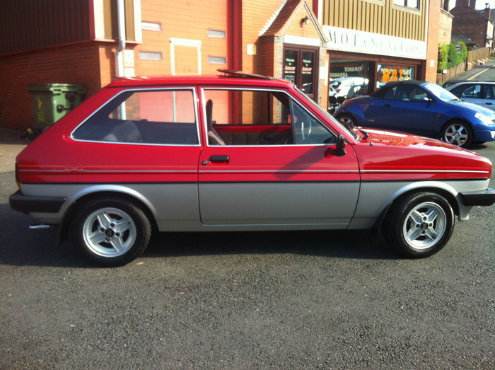 Ford Fiesta 1.1 1982 photo - 9