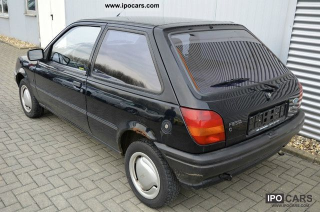Ford Fiesta 1.1 1992 photo - 9