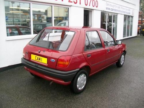 Ford Fiesta 1.1 1993 photo - 10