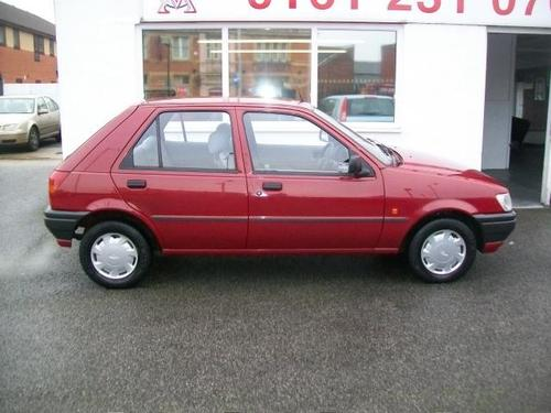 Ford Fiesta 1.1 1993 photo - 9