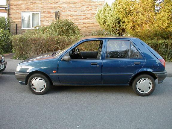 Ford Fiesta 1.1 1995 photo - 6