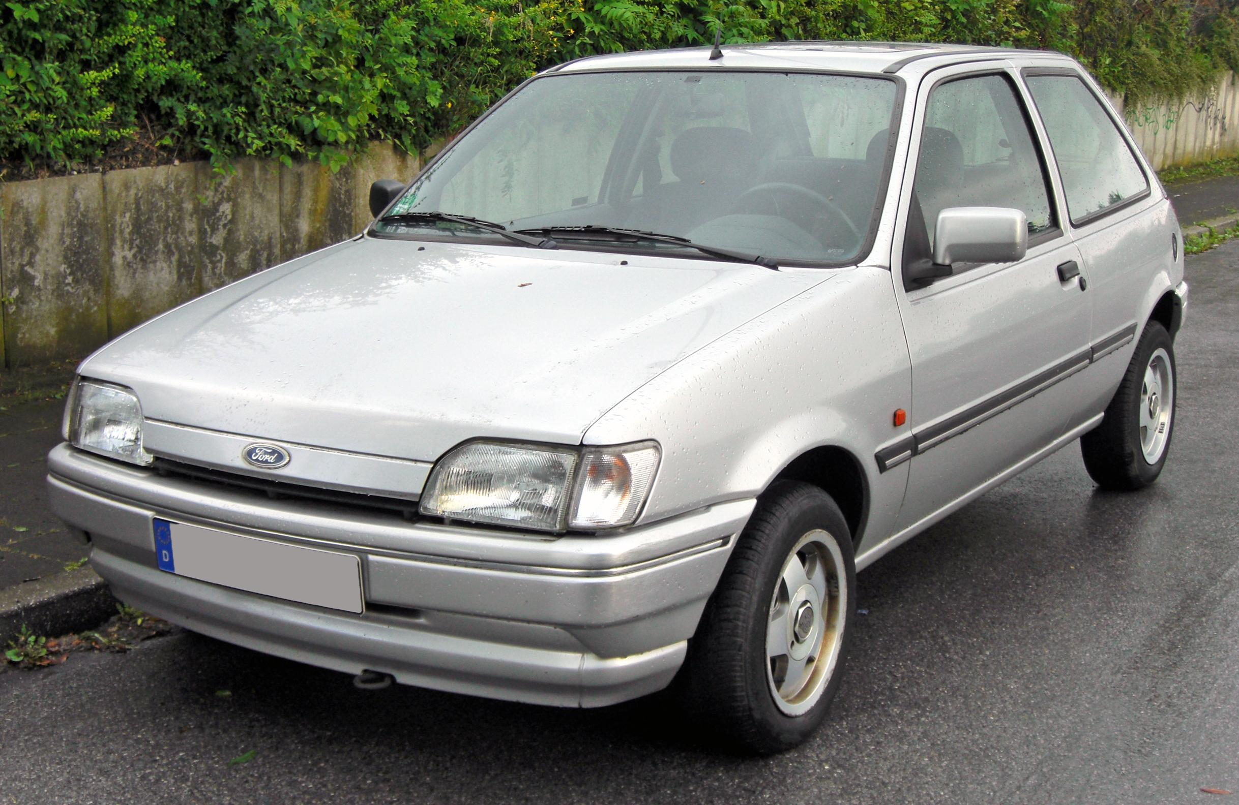 Ford Fiesta 1.1 1998 photo - 10