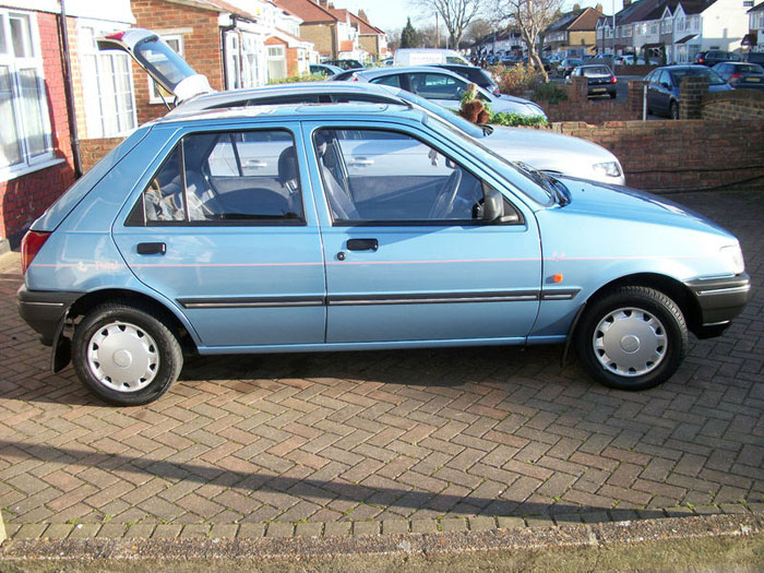 Ford Fiesta 1.1i 1993 photo - 3