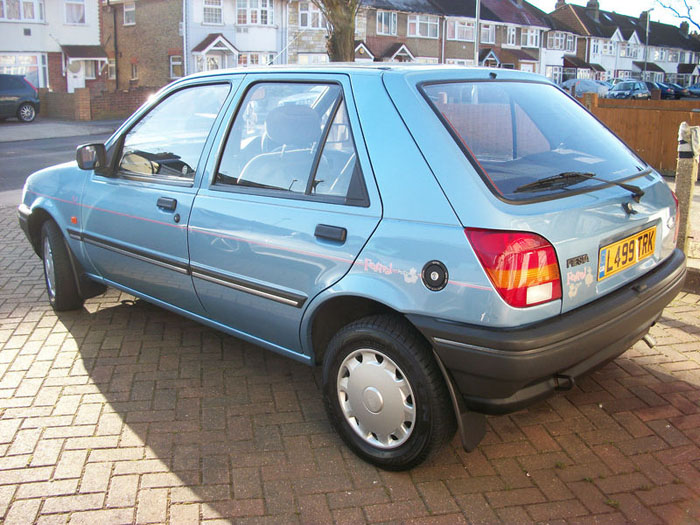 Ford Fiesta 1.1i 1993 photo - 4