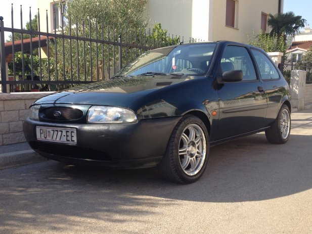 Ford Fiesta 1.25 1996 photo - 7