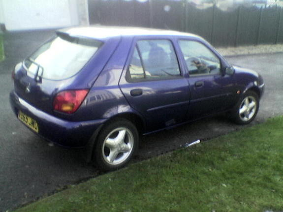 Ford Fiesta 1.25 1998 photo - 3