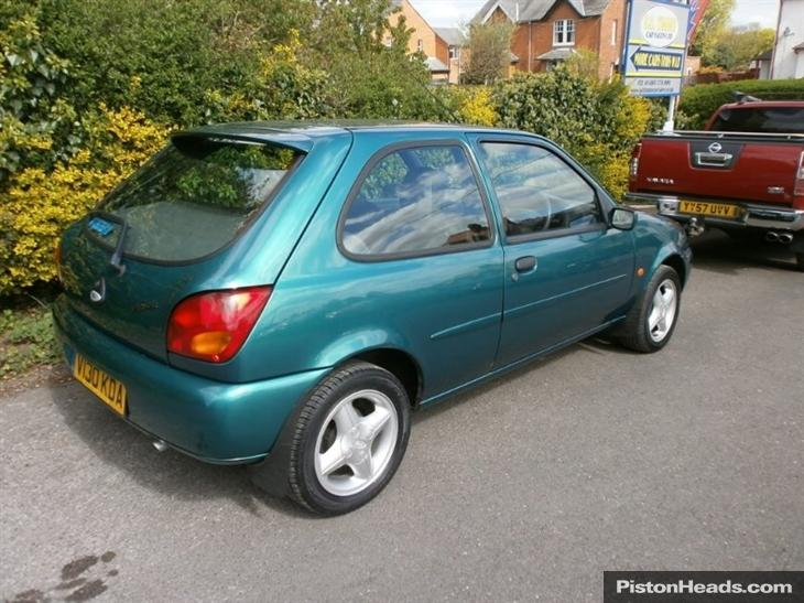 Ford Fiesta 1.25 1999 photo - 1