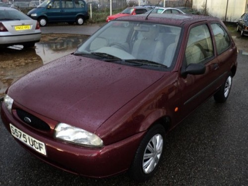 Ford Fiesta 1.25 1999 photo - 10