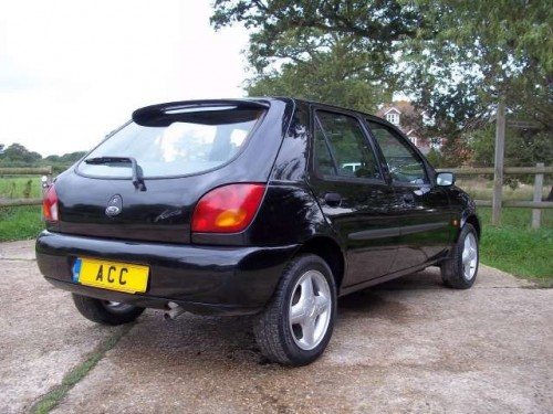 Ford Fiesta 1.25 1999 photo - 3