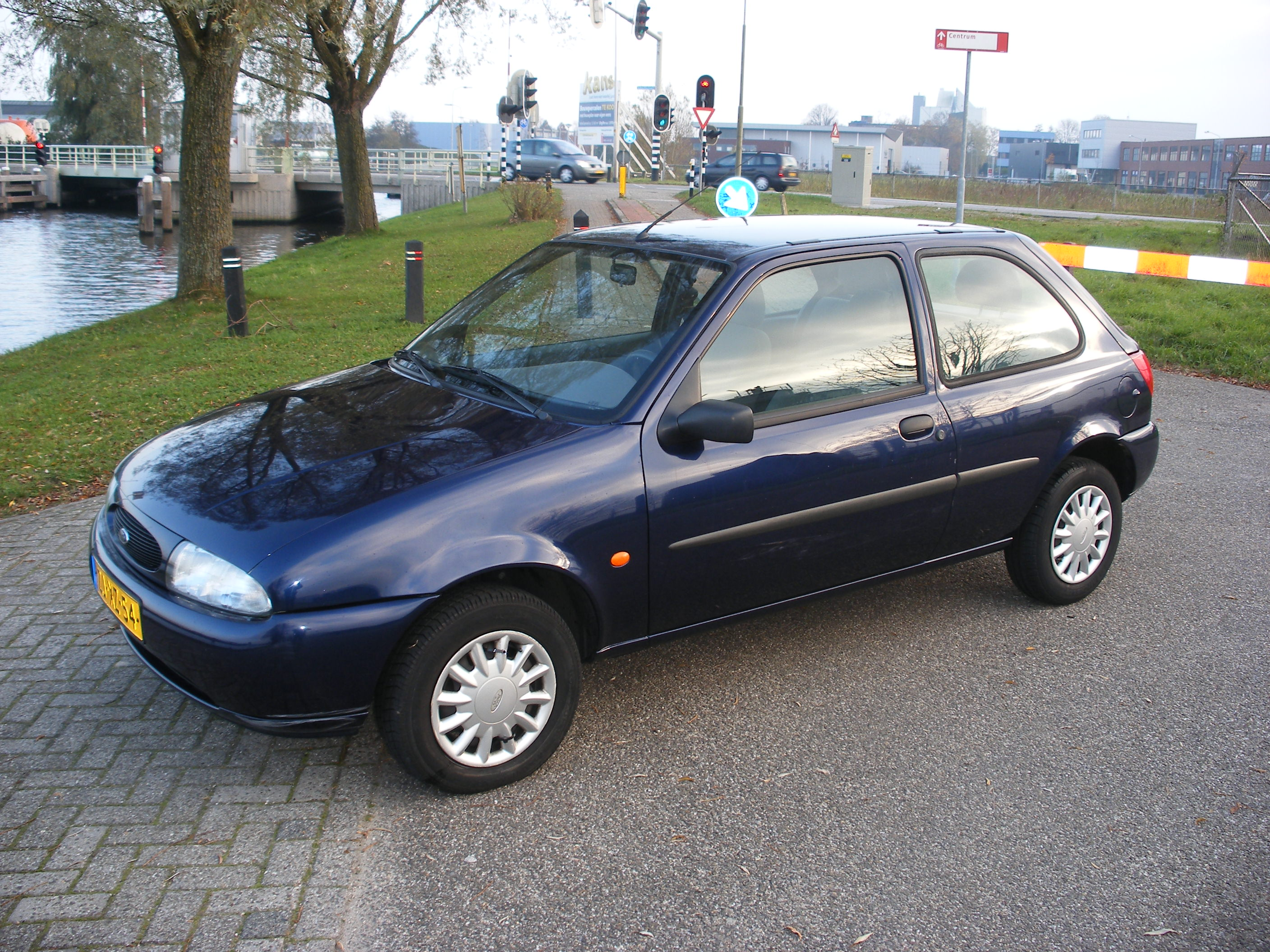 Ford Fiesta 1.25 1999 photo - 6