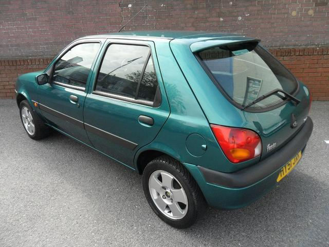 Ford Fiesta 1.25 2002 photo - 2