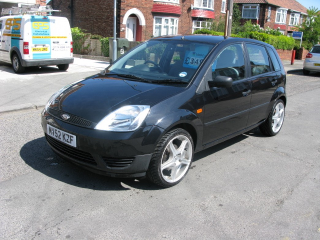 Ford Fiesta 1.25 2002 photo - 8