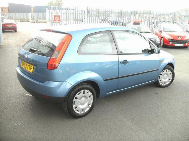 Ford Fiesta 1.25 2003 photo - 10