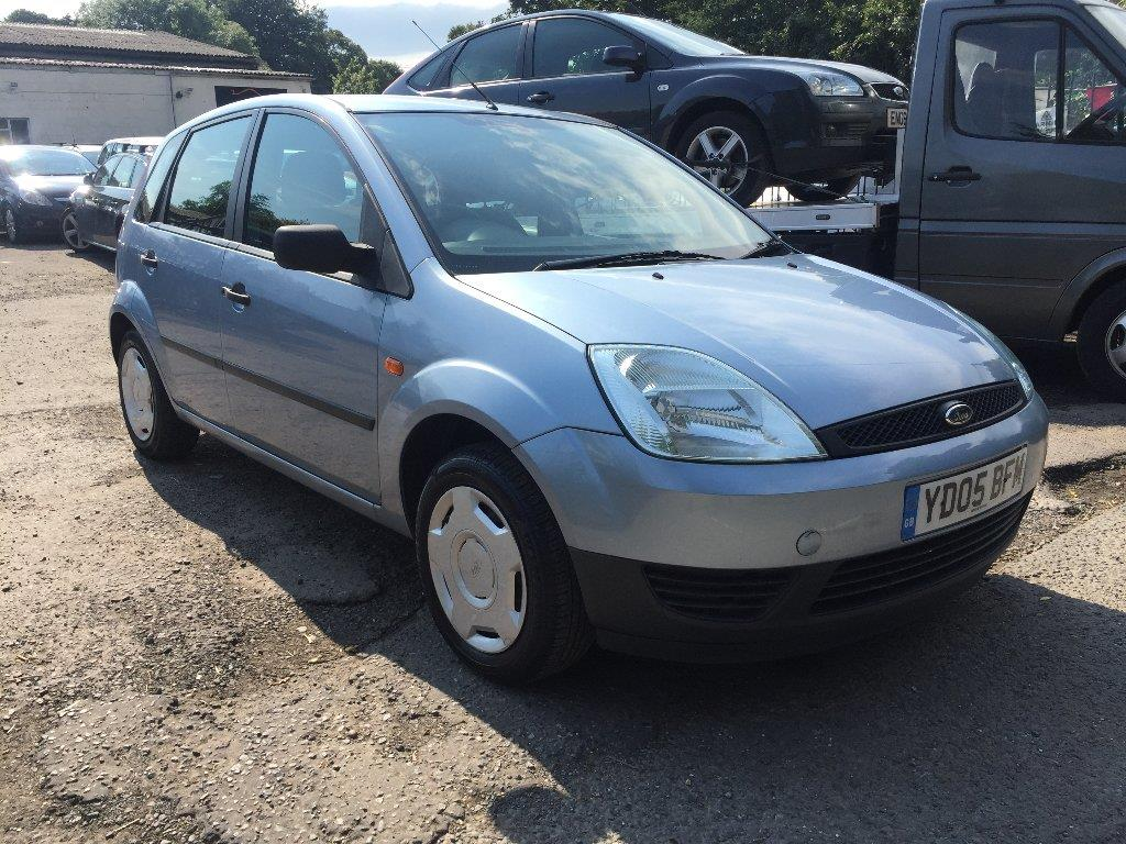 Ford Fiesta 1.25 2005 photo - 9