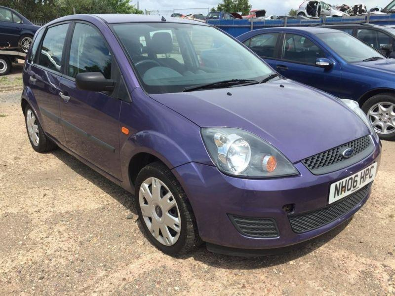 Ford Fiesta 1.25 2006 photo - 12